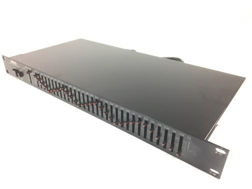 gq-1031-2.jpg